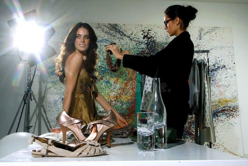 Kvinnor i haute couturezxz arkivfoto
