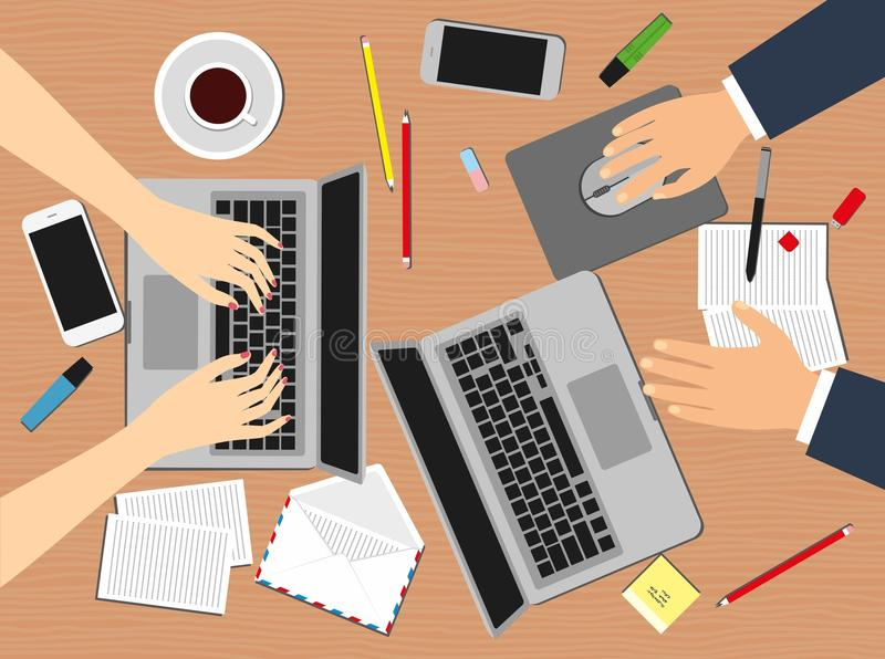 Kvinnor och man i arbetsplatsen Bästa sikt av kvinnlig- och manhänder, skrivbord, bärbar datorskärm, materielvektorillustration vektor illustrationer