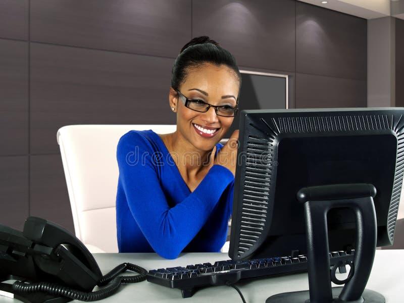 Kvinnor på arbete arkivbilder