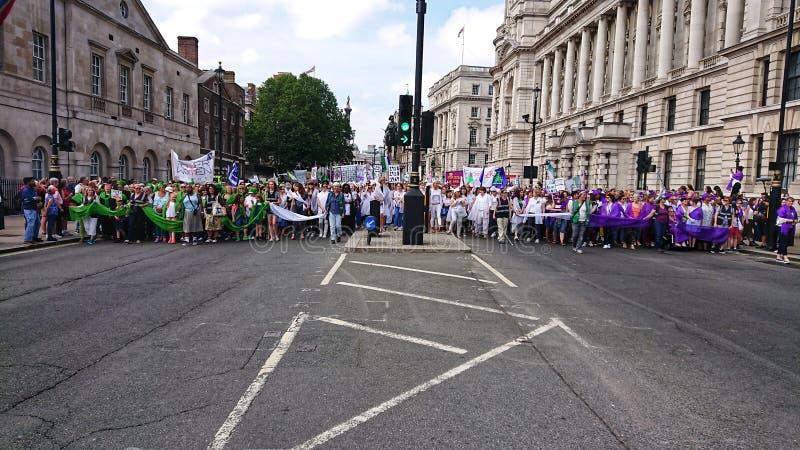 Kvinnors frihetsmarsch london England arkivfoton