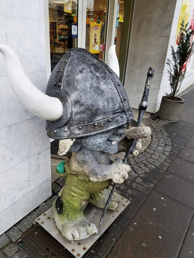 Kvosin-Gemischtwarenladen-Viking-Schleppangelmaskottchen, Reykjavik, Island lizenzfreie stockbilder