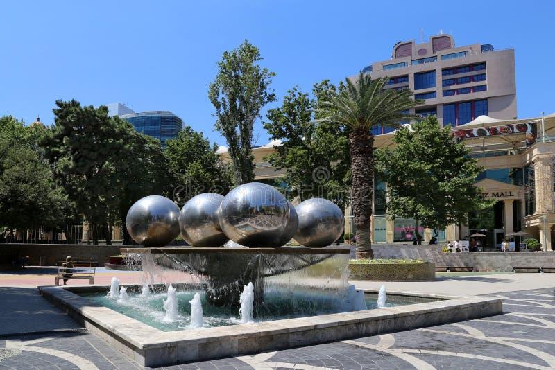 Kwadrat fontanny w mieście Baku, Azerbejdżan obraz royalty free