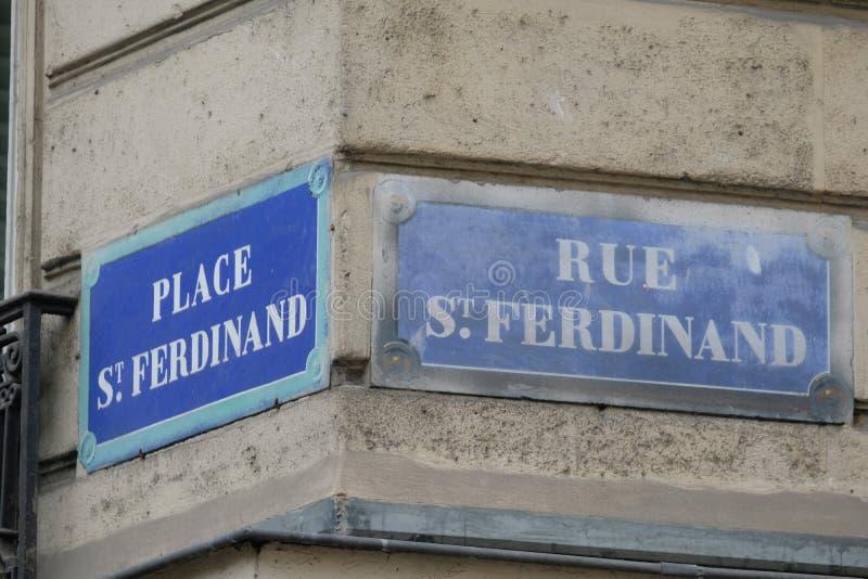 Kwadratowego świętego Ferdinand i świętego Ferdinand ulica, Paryż, Francja zdjęcie royalty free