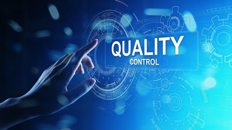 Kwaliteitscontrole, verzekering, het concept van de industrienormen op het virtuele scherm royalty-vrije stock afbeeldingen