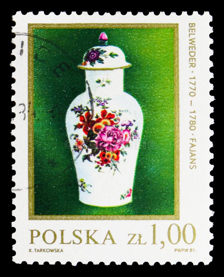 Kwan Vase,18th Century, Polish Ceramics (1) serie, circa 1981. MOSCOW, RUSSIA - SEPTEMBER 15, 2018: A stamp printed in Poland shows Kwan Vase,18th Century royalty free illustration