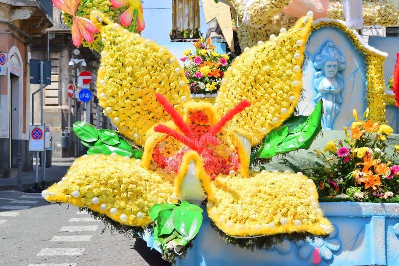 Kwiaciasty pławik przedstawia różnorodnych charaktery fantazja zdjęcia royalty free