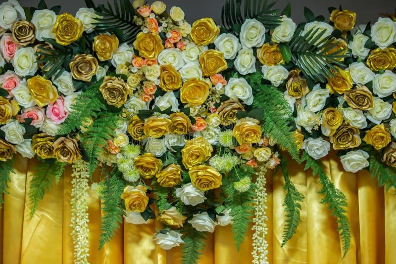 Kwiat, bukiet, pierścionek zaręczynowy, pierścionek - biżuteria, wiązka kwiaty obrazy royalty free