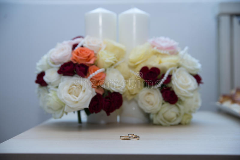 Kwiat, pierścionki, pielenie, momenty zdjęcia royalty free