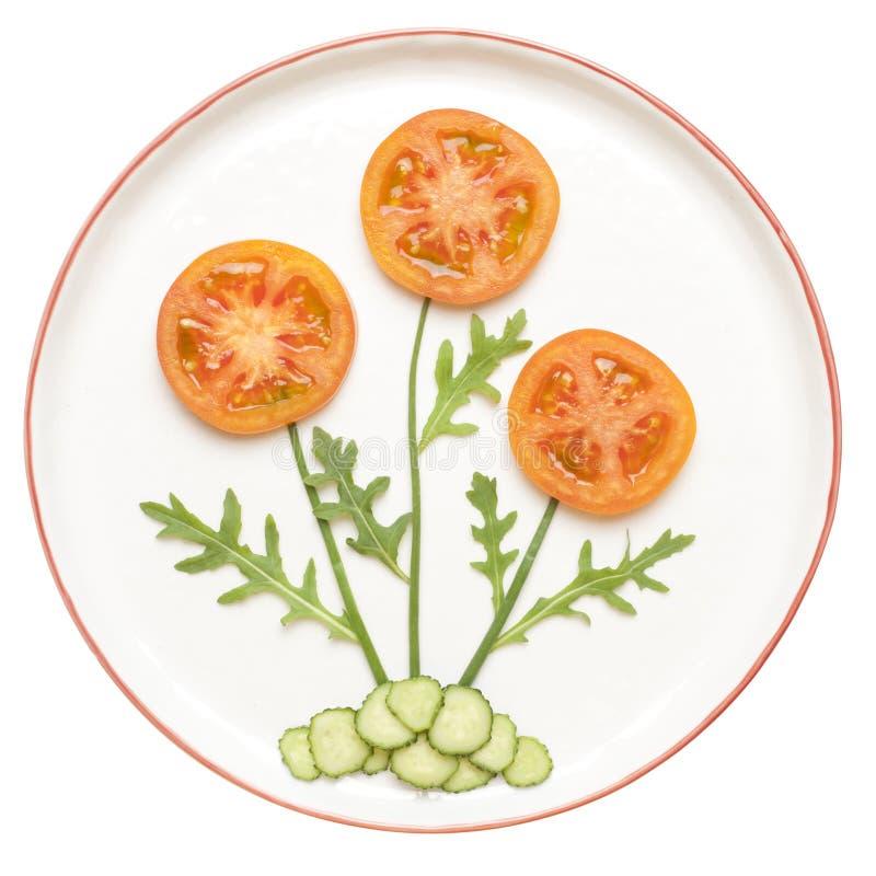 Kwiat robić warzywa na talerzu zdjęcia stock