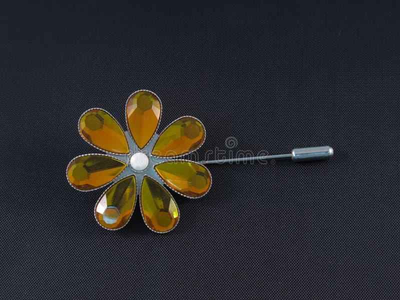 Kwiat wałkowa broszka obraz royalty free