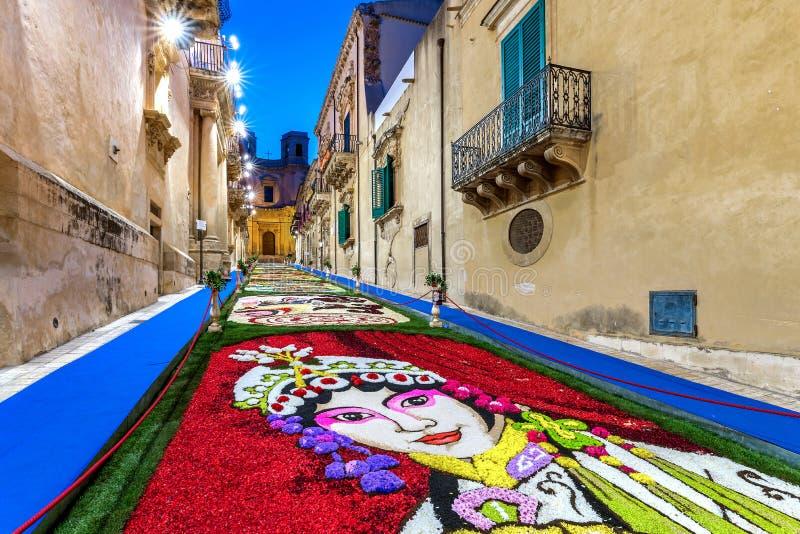 Kwiatu festiwal Noto w Sicily obrazy royalty free