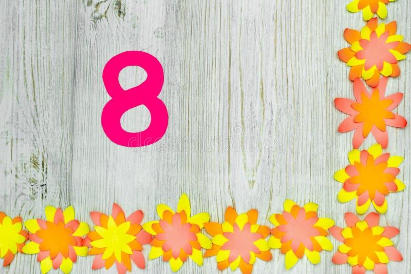 Kwiatu kąt i oblicza 8 od papieru Pojęcie handmade kartka z pozdrowieniami Mieszkanie nieatutowy kosmos kopii obraz royalty free