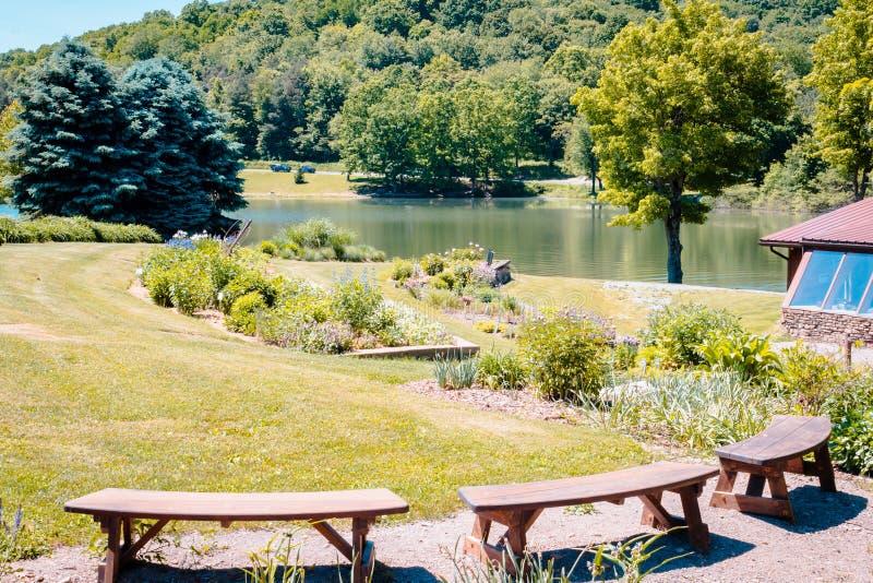 Kwiatu ogród przy parkiem w Indiana Pennsylwania zdjęcia stock