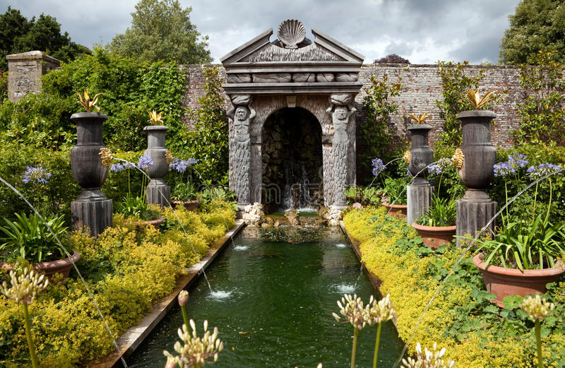 kwiatu ogródu ornamental staw zdjęcie royalty free