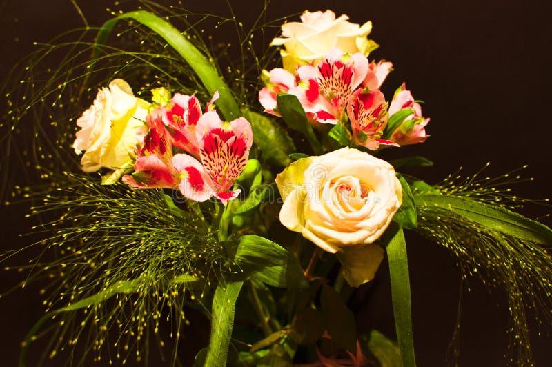 Download Kwiaty obraz stock. Obraz złożonej z kwiat, orchidee - 15504923