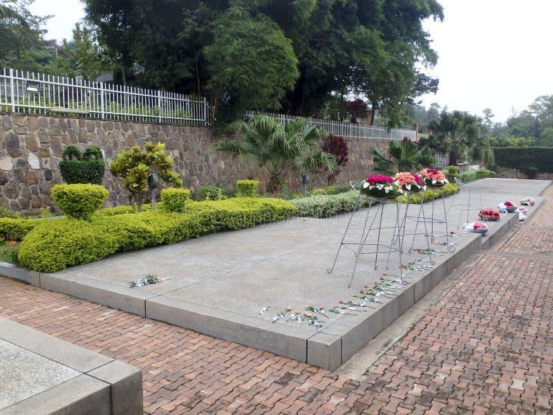 Kwiaty, Krajowy pomnik ofiary ludobójstwo, Kigali, R obraz royalty free