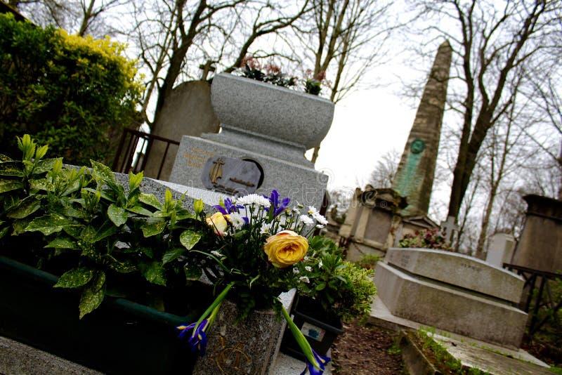 Kwiaty w cmentarzu, Pere Lachaise Paryż, Francja fotografia stock