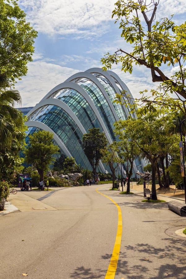 KWIECIEŃ 25, 2019: Budujący w parkowych ogródach zatoką, kwiat kopuła Singapur obraz royalty free