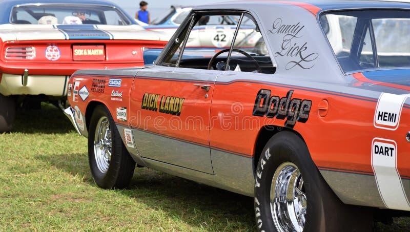 Kwiecień 2019, St Petersburg Floryda, Dick Landy, - klasyka 1970 Dodge pretendenta mięśnia samochód z hemi silnikiem obraz stock