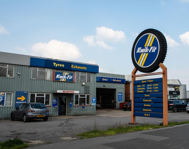 Kwik Fit Reading. Reading, United Kingdom - March 30 2019:   The entrance to Kwik Fit on Rose Kiln Lane royalty free stock images