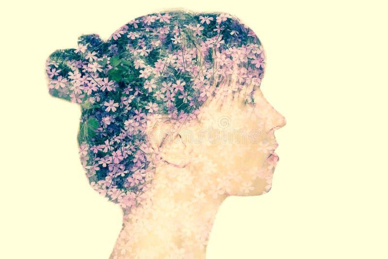Kwitnący żeński portret obraz royalty free