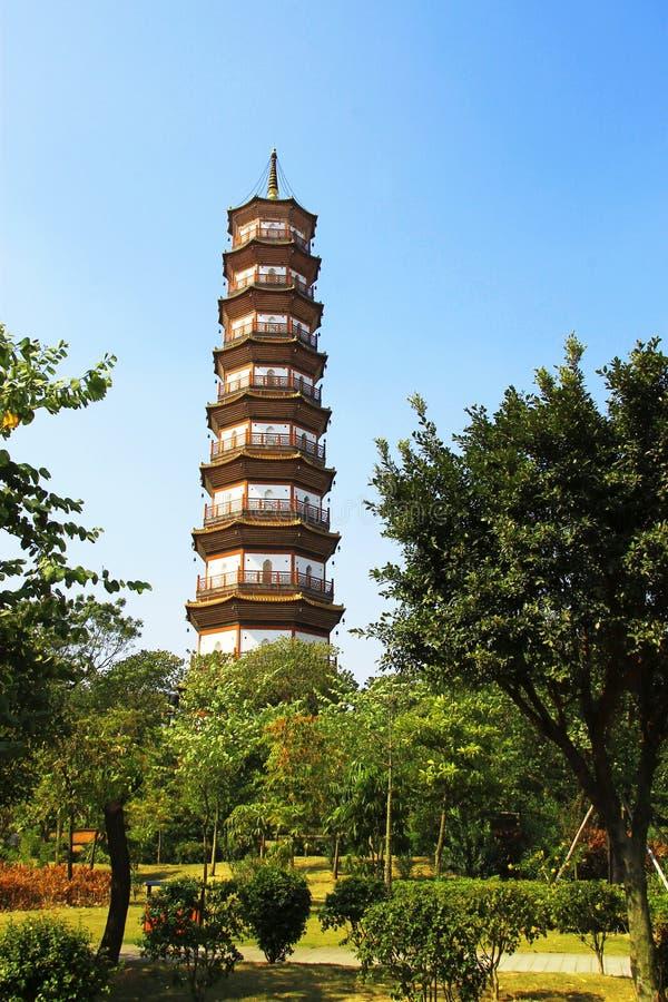 Kwitnie pagodę świątynia Sześć Banyan drzew zdjęcie royalty free