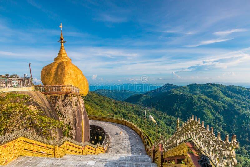 Kyaikhtiyopagode in Myanmar royalty-vrije stock foto's