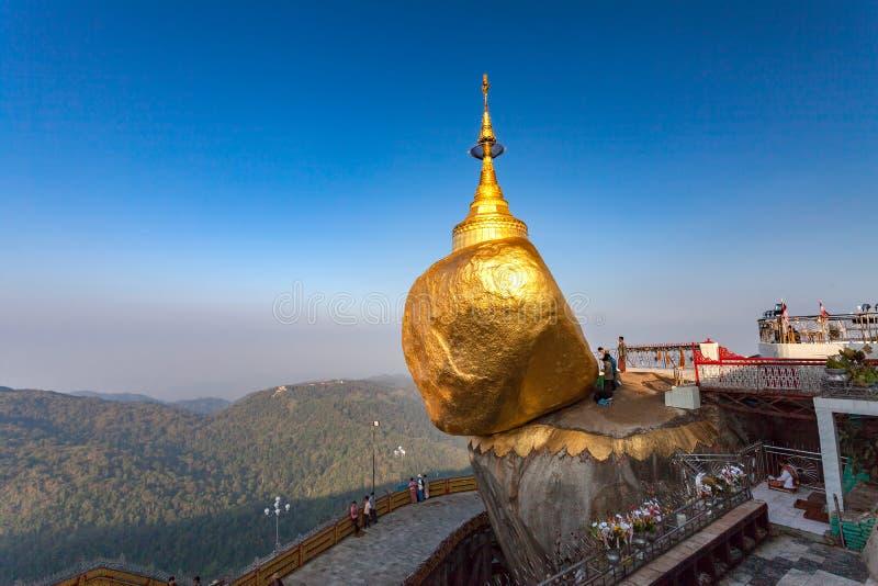 Kyaiktiyo måndag tillstånd, Myanmar arkivbild