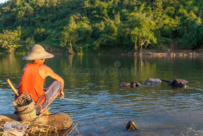 KYAUKME MYANMAR - December 2, 2014: Oidentifierat royaltyfri foto