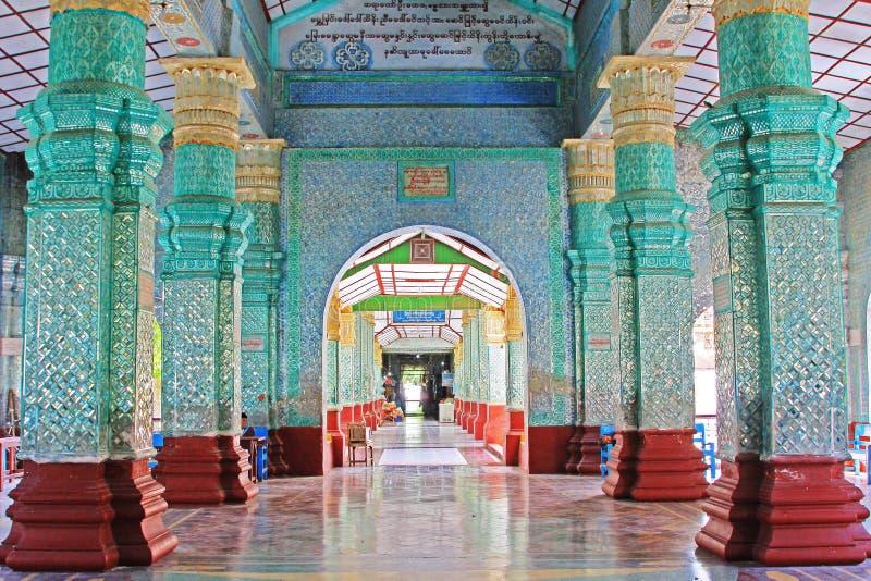 Kyauktawgyi Buddha świątynia, Mandalay, Myanmar zdjęcia stock