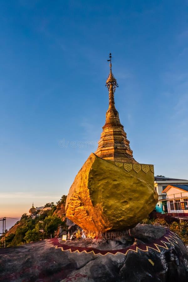 Kyaukthanban-Pagode, Kyaiktiyo, Myanmar lizenzfreies stockbild