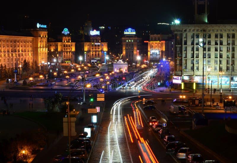 KYIV,乌克兰- 11月10 : Mai晚上全景  库存图片