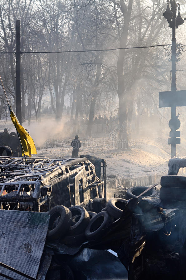 KYIV, ΟΥΚΡΑΝΊΑ – 26 ΙΑΝΟΥΑΡΊΟΥ 2014. Οδοφράγματα μέσα  στοκ εικόνες