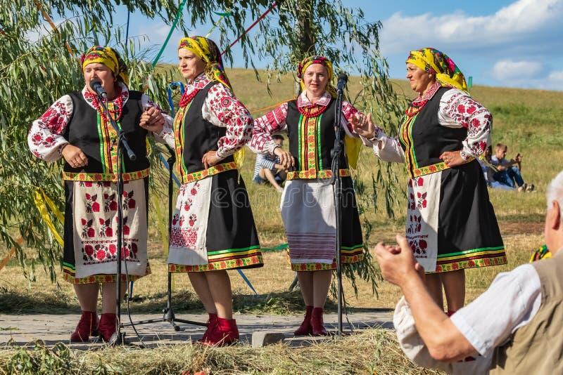 Kyiv, Ουκρανία - 6 Ιουλίου 2019: Οι παραδοσιακές ετήσιες σλαβικές διακοπές του Ivan Kupala στο ουκρανικό υπαίθριο μουσείο σε Piro στοκ φωτογραφία με δικαίωμα ελεύθερης χρήσης