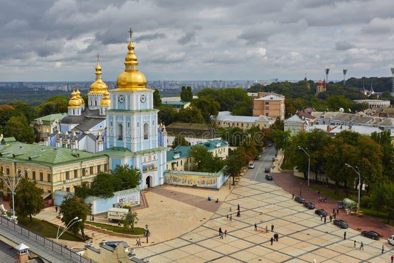 Kyiv, Ουκρανία - 7 Σεπτεμβρίου 2013: Άποψη του παρεκκλησιού μοναστηριακών ναών του ST Mikhail στοκ εικόνες με δικαίωμα ελεύθερης χρήσης