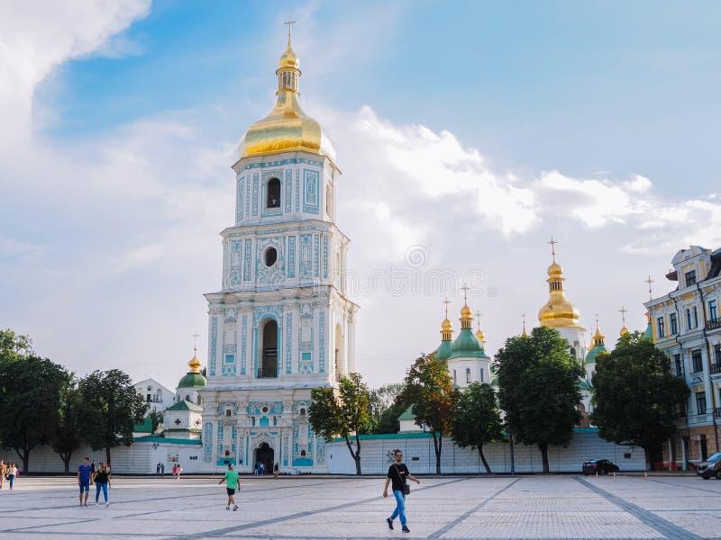 Kyiv Capitale de l'Ukraine Été 2018 La cathédrale de Sophia de saint sur Sofia Square Poggioreale ruine la trappe dans le balcon images stock