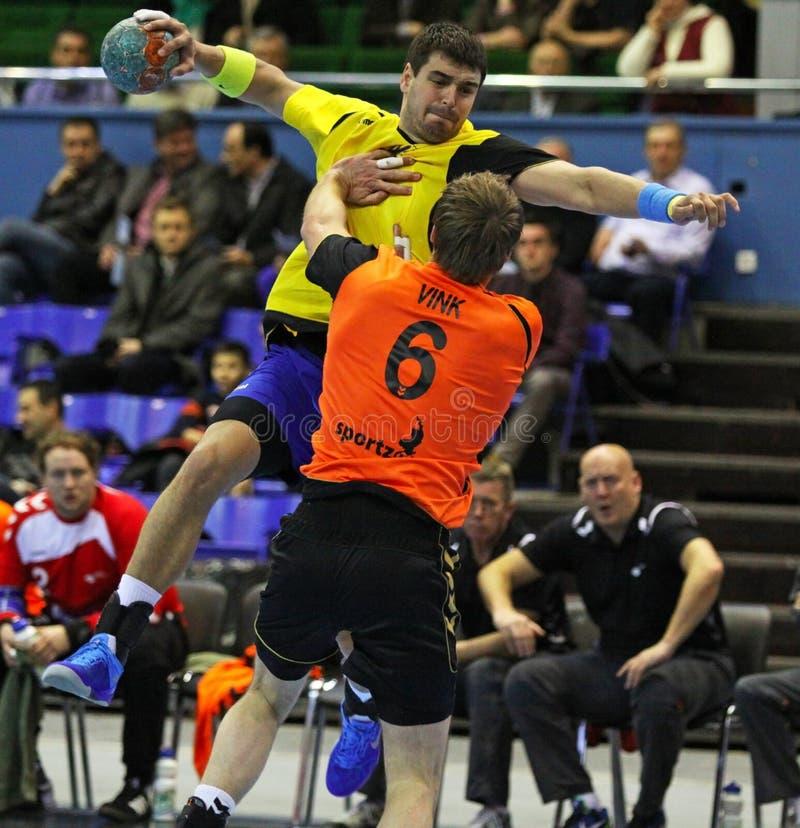 Het spel de Oekraïne van het handbal versus Nederland stock fotografie
