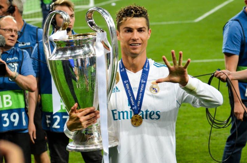 KYIV, DE OEKRAÏNE - MEI 26, 2018: Cristiano Ronaldo toont op de vin royalty-vrije stock afbeelding