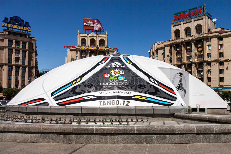 Kyiv prepara per l'euro 2012 fotografia stock