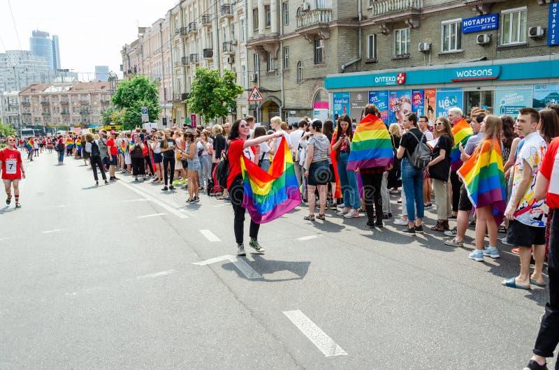 Kyiv, Ucrânia - 23 de junho de 2019 março da igualdade março KyivPride de LGBT Parada alegre imagens de stock royalty free
