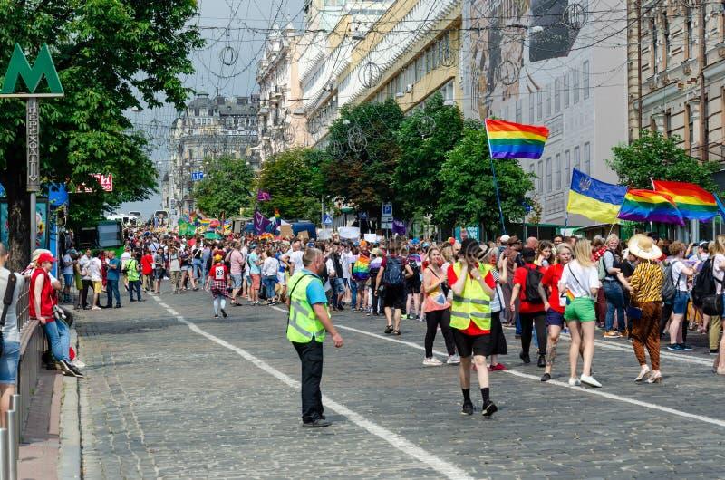 Kyiv, Ucrânia - 23 de junho de 2019 março da igualdade março KyivPride de LGBT Parada alegre fotografia de stock