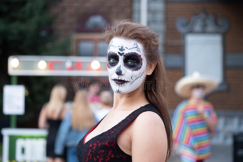 Kyiv, Ucrânia, Santa Muerte Carnival, 20 07 2019 Dia de Los Muertos, dia dos mortos Halloween retrato da mulher com fotografia de stock