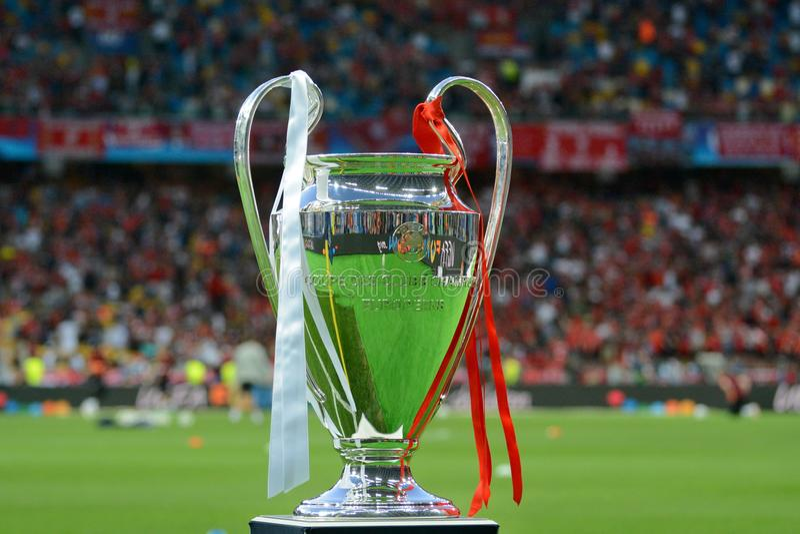 KYIV, UCRAINA - 26 MAGGIO 2018: Vista generale del trofeo della lega dei campioni prima del finale della lega di campioni di UEFA immagine stock