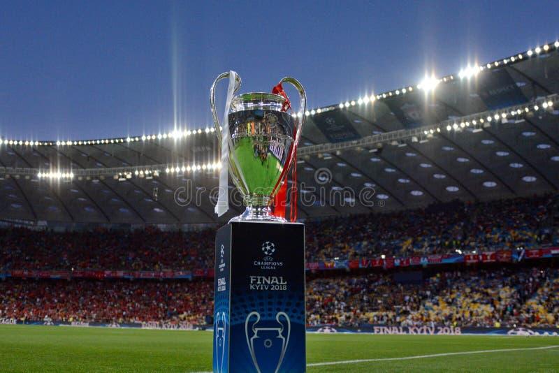 KYIV, UCRAINA - 26 MAGGIO 2018: Vista generale del trofeo della lega dei campioni prima del finale della lega di campioni di UEFA immagini stock libere da diritti