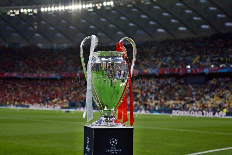 KYIV, UCRAINA - 26 MAGGIO 2018: Vista generale del trofeo della lega dei campioni prima del finale della lega di campioni di UEFA fotografia stock