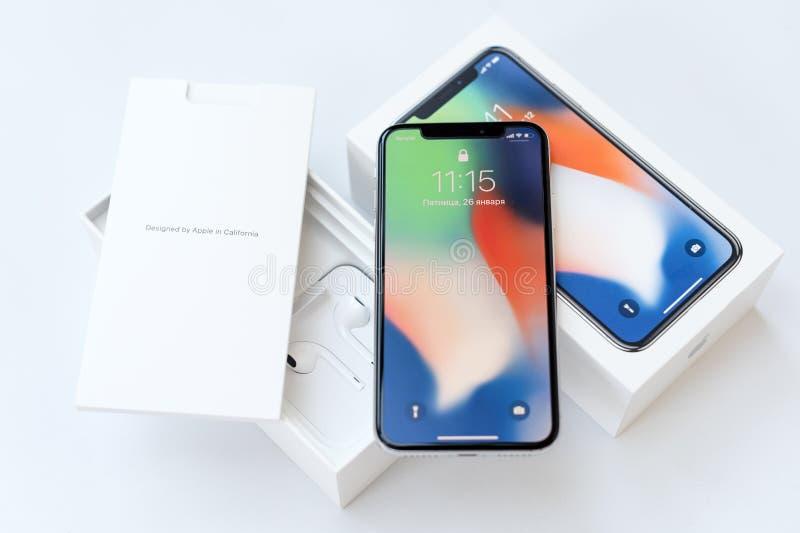 KYIV, UCRANIA - 26 DE ENERO DE 2018: Cierre modelo del nuevo smartphone de Iphone X para arriba El más nuevo dispositivo del telé imagen de archivo