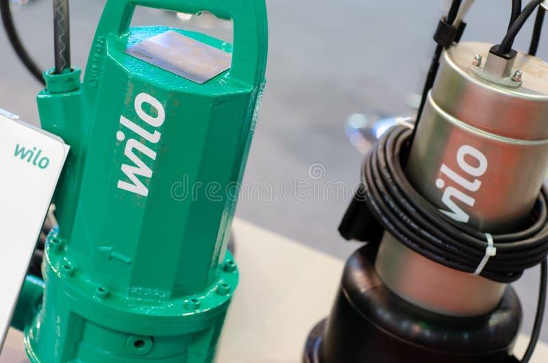 Kyiv Ukraina - Maj 14, 2019: WILO-dr?nering pumpar vatten arkivbilder