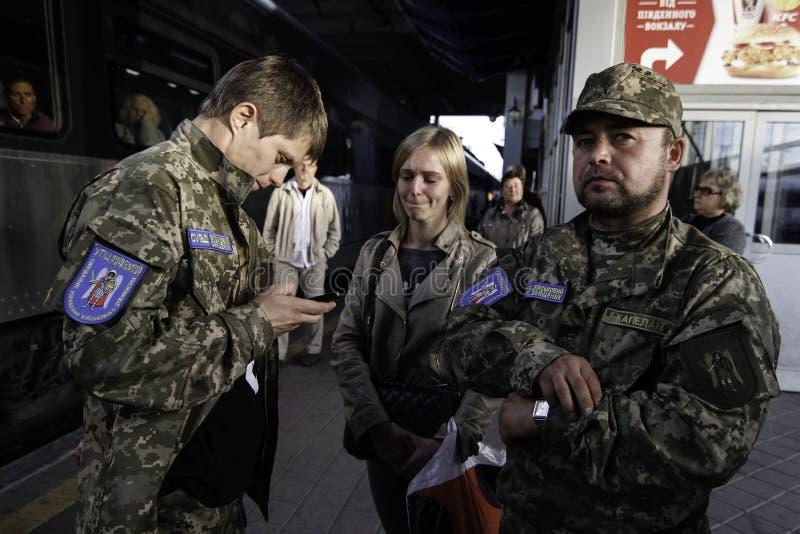 Kyiv, Ukraine - 14 octobre 2015 : Aumônier orthodoxe ukrainien des forces armées ukrainiennes photo libre de droits