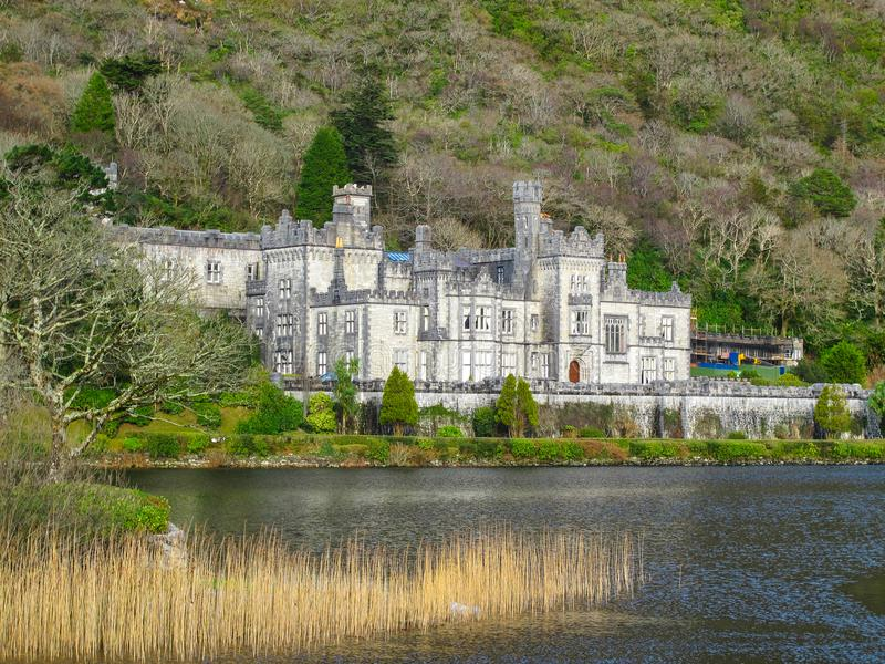 Kylemore Abbey Connemara County Galway Ireland royaltyfria foton