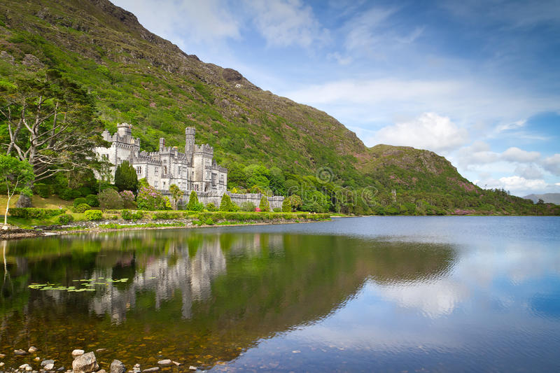 Download Kylemore Abbey In Connemara Mountains Editorial Stock Image - Image: 26416514